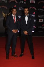 Ronit Roy and Rohit Roy at Sansui COLORS Stardust Awards_5858d0940dac5.JPG