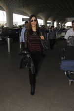 Sophie Chaudhary snapped at airport on 19th Dec 2016 (14)_5858db94f0e5d.JPG