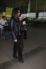 Sophie Chaudhary snapped at airport on 19th Dec 2016 (17)_5858db97b6e5a.JPG