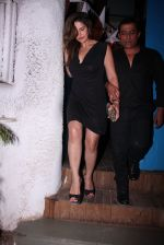 Zareen Khan snapped at olive on 19th Dec 2016 (34)_5858dbd66cee9.JPG