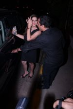 Zareen Khan snapped at olive on 19th Dec 2016 (39)_5858dbdadcaab.JPG