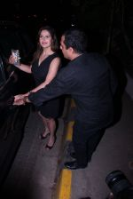 Zareen Khan snapped at olive on 19th Dec 2016 (42)_5858dbdd3f927.JPG