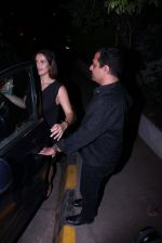 Zareen Khan snapped at olive on 19th Dec 2016 (43)_5858dbddf1dea.JPG