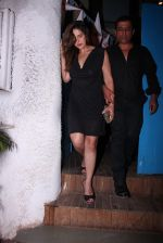 Zareen Khan snapped at olive on 19th Dec 2016 (47)_5858dbe16c53a.JPG