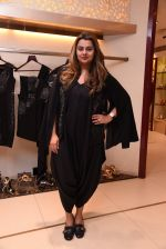 Honey Bhagnani at Esha Amin label launch at Aza on 20th Dec 2016 (297)_585a2aafebb18.JPG