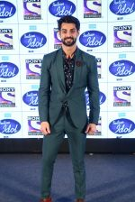 Karan Wahi on the sets of Indian Idol on 20th Dec 2016_585a2dca225f2.JPG