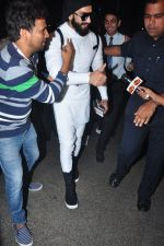 Ranveer Singh snapped at airport on 20th Dec 2016 (22)_585a2972a8e9c.JPG