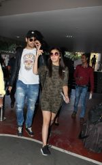 Alia Bhatt, Sidharth Malhotra snapped at airport on 21st Dec 2016 (14)_585b78e76964f.jpg
