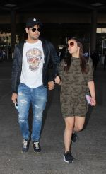 Alia Bhatt, Sidharth Malhotra snapped at airport on 21st Dec 2016 (8)_585b78e0f0227.jpg