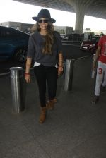 Hazel Keech snapped at airport on 21st Dec 2016 (25)_585b86437e619.JPG