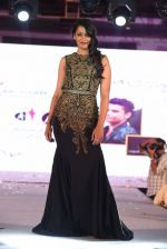 Mugdha Godse walk for Lakshyam show at Brand of the Year Awards on 21st Dec 2016 (220)_585b8bc7ccba9.JPG