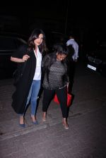 Priyanka Chopra and Arpita KHan snapped post dinner at Hakassan on 21st Dec 2016 (48)_585b899fe4f7d.JPG