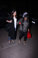 Priyanka Chopra and Arpita KHan snapped post dinner at Hakassan on 21st Dec 2016 (50)_585b89a0805c6.JPG