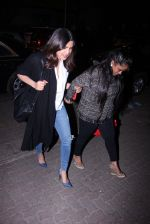 Priyanka Chopra and Arpita KHan snapped post dinner at Hakassan on 21st Dec 2016 (58)_585b89a2e3d34.JPG