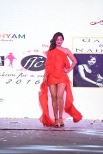 Ravee Gupta walk for Lakshyam show at Brand of the Year Awards on 21st Dec 2016 (198)_585b8be58dc65.JPG