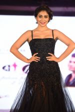 Shriya Saran walk for Lakshyam show at Brand of the Year Awards on 21st Dec 2016 (282)_585b8c2e716db.JPG