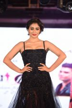 Shriya Saran walk for Lakshyam show at Brand of the Year Awards on 21st Dec 2016 (283)_585b8c2f115bc.JPG