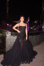 Shriya Saran walk for Lakshyam show at Brand of the Year Awards on 21st Dec 2016 (370)_585b8c3297b8f.JPG