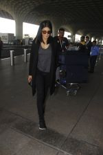 Shruti Hassan snapped at airport on 21st Dec 2016 (12)_585b864ecd5e4.JPG