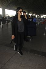 Shruti Hassan snapped at airport on 21st Dec 2016 (14)_585b86502ae7a.JPG