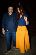 Sonali Bendre and friends snapped post dinner in Juhu on 21st Dec 2016 (7)_585b89ec1ae44.JPG
