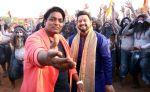 swapnil joshi & ganesh acharya on location of Marathi film Bhikari in Filmcity, Mumbai on 21st Dec 2016 (5)_585b9039b09e4.jpg
