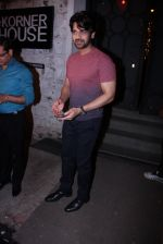 Arjan Bajwa at Farah Ali Khan_s bash in Corner House on 22nd Dec 2016 (124)_585cd22a8b306.JPG