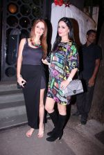 Suzanne Khan, Anu Dewan at Farah Ali Khan_s bash in Corner House on 22nd Dec 2016 (17)_585cd20fc4a9d.JPG