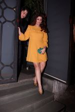 Twinkle Khanna at Farah Ali Khan_s bash in Corner House on 22nd Dec 2016 (111)_585cd2cf70850.JPG