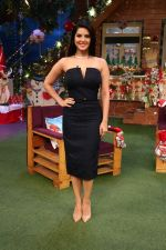 Sunny Leone and her husband Daniel Weber on the sets of The Kapil Sharma Show on 24th Dec 2016 (10)_5860c14c248dd.jpg