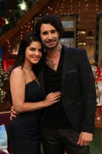 Sunny Leone and her husband Daniel Weber on the sets of The Kapil Sharma Show on 24th Dec 2016 (11)_5860c18f81ae3.jpg