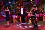 Sunny Leone and her husband Daniel Weber on the sets of The Kapil Sharma Show on 24th Dec 2016 (9)_5860c14aaaecb.jpg