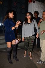 Alvira Khan snapped at Corner House in Bandra on 24th Dec 2016 (12)_5862186f81b2b.JPG