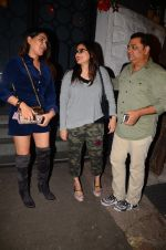 Alvira Khan snapped at Corner House in Bandra on 24th Dec 2016 (13)_5862187033730.JPG