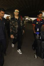 Karan Johar snapped at airport on 24th Dec 2016 (36)_58621681c360c.JPG