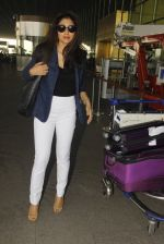 Shriya Saran snapped at airport on 24th Dec 2016 (17)_58621698d7d33.JPG