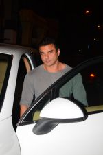Sohail Khan snapped at Corner House in Bandra on 24th Dec 2016 (6)_586218b7b1da9.JPG