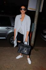 Huma Qureshi snapped post dubbing for her hollywood film Viceroy House on 27th Dec 2016 (10)_586368ca1ec1c.JPG