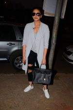 Huma Qureshi snapped post dubbing for her hollywood film Viceroy House on 27th Dec 2016 (11)_586368cab30ca.JPG