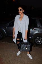 Huma Qureshi snapped post dubbing for her hollywood film Viceroy House on 27th Dec 2016 (13)_586368cbd529a.JPG