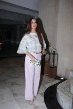 Sonali Bendre at Manish Malhotra_s bash for Priyanka Chopra on 27th Dec 2016 (26)_58636ac5e7215.JPG