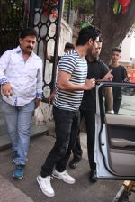 Sushant Singh Rajput snapped in Bandra on 27th Dec 2016 (12)_58636914aacc6.JPG
