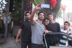 Sushant Singh Rajput snapped in Bandra on 27th Dec 2016 (14)_5863691671c96.JPG