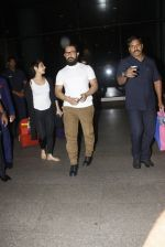 Aamir Khan snapped at airport on 28th Dec 2016 (76)_5864ba2660014.JPG