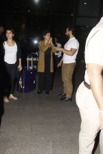 Aamir Khan snapped at airport on 28th Dec 2016 (77)_5864ba277d51a.JPG