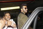 Arjun Kapoor snapped at airport on 28th Dec 2016 (48)_5864bb2886687.JPG