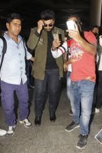 Arjun Kapoor snapped at airport on 28th Dec 2016 (53)_5864bb2b51092.JPG