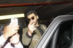 Arjun Kapoor snapped at airport on 28th Dec 2016 (58)_5864bb2e4175b.JPG