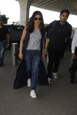 Priyanka Chopra snapped at airport on 28th Dec 2016 (34)_5864bb3b2c28a.JPG