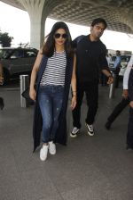 Priyanka Chopra snapped at airport on 28th Dec 2016 (35)_5864bb3bbe50c.JPG
